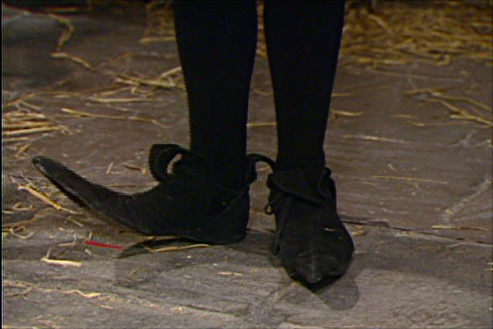 Black Adder pointed shoes