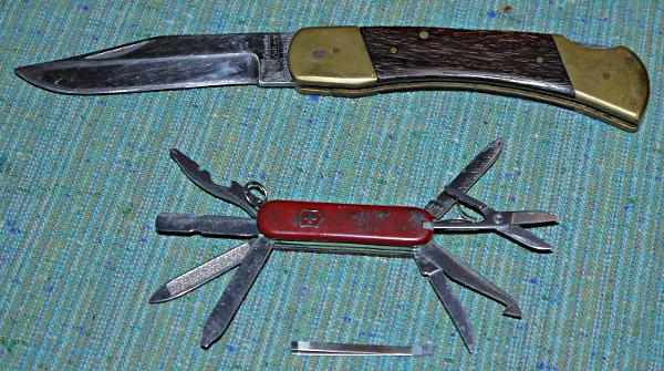 Pocket-knife-current-and-old